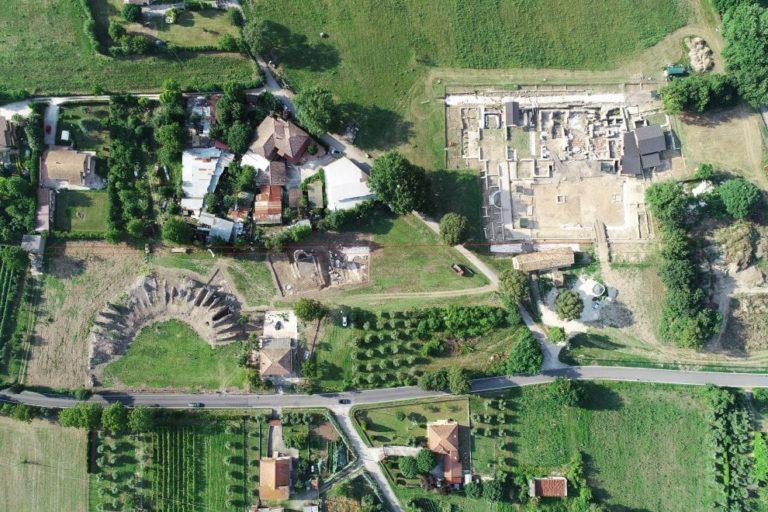 Una vista aerea del sito