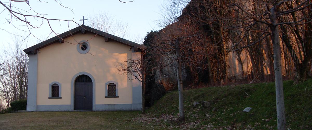 chiesa accanto ai resti della grangia